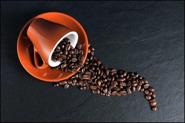 Parzenie kawy metodą przelewową – co musisz wiedzieć?